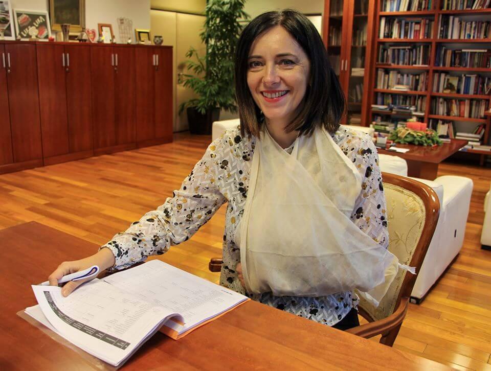 Ministrica Divjak ozlijedila ruku pa se našalila sa svojom pozicijom
