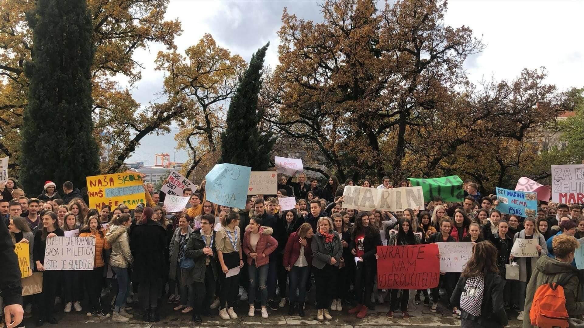Učenici prosvjedovali za Miletića, a ravnateljica kaže: I ja bih voljela da ostane raditi kod nas