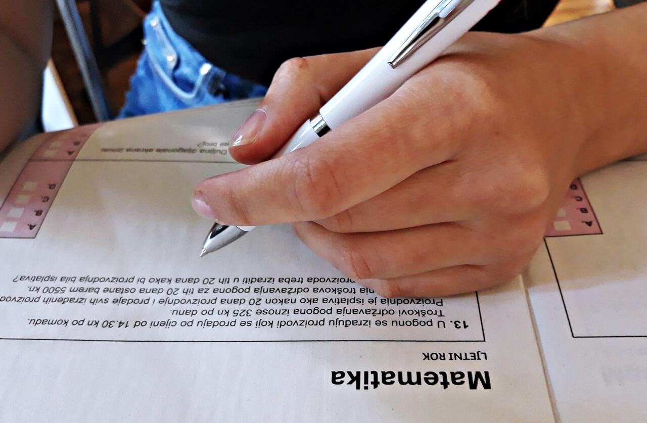 HZJZ izdao upute za jesenski rok mature: Imaju važnu obavijest za maturante u samoizolaciji