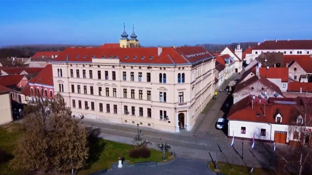 10 srednjih škola u Osječko-baranjskoj županiji koje su upisali najbolji osmaši