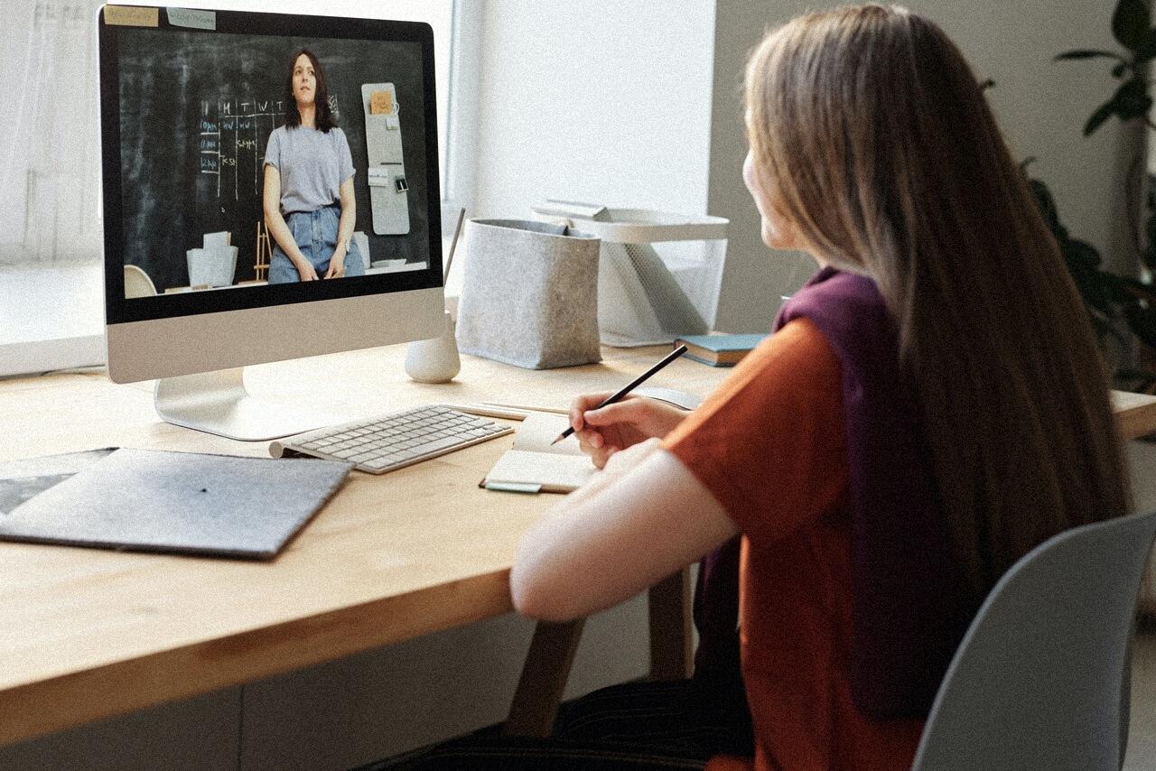 Kako preživjeti online nastavu: 'Svijetla točka online nastave mi je privatan chat na Zoomu'