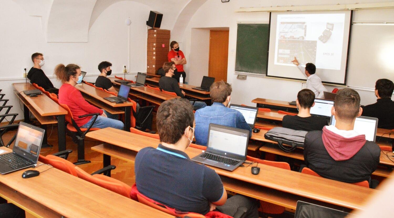 Produljili online nastavu, a studentima poručili: Platit ćemo vam dodatni internet