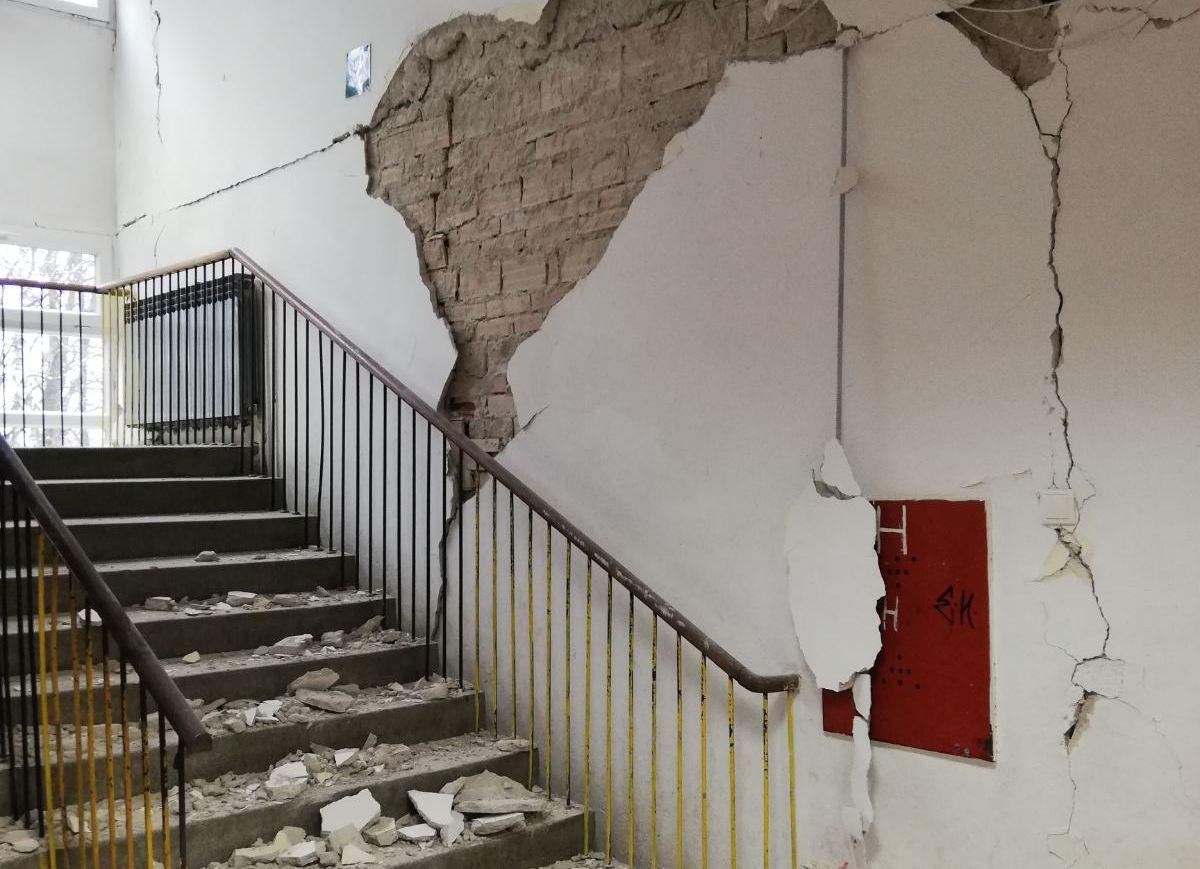 Škola iz Zagreba donirala 23.645 kn osnovnoj iz Siska koju je razorio potres, prikupili i pribor za učenike