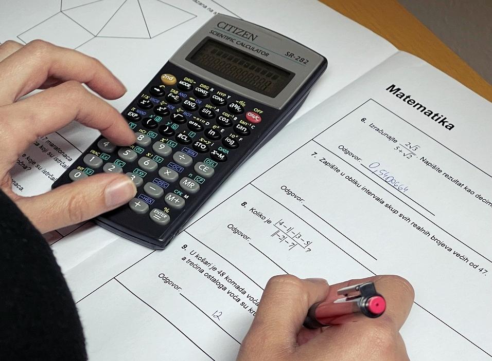 Izmijenjen ključ za odgovore na maturi iz Matematike: Pogledajte koja se sve rješenja priznaju