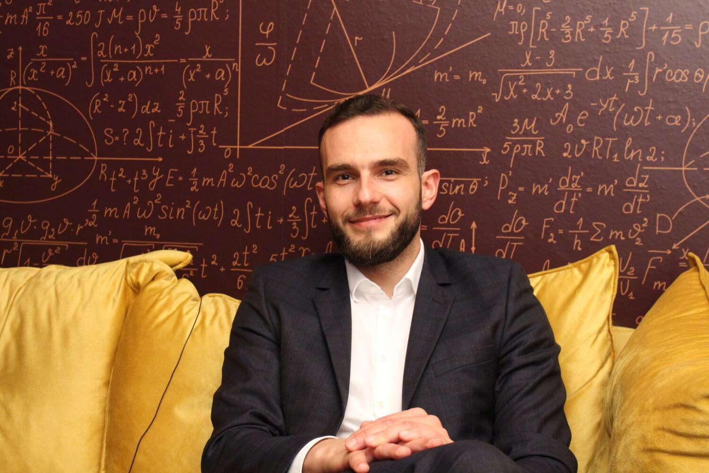Ministar Aladrović otkrio zašto je upisao opću umjesto matematičke gimnazije i kako se sa 16 učlanio u HDZ
