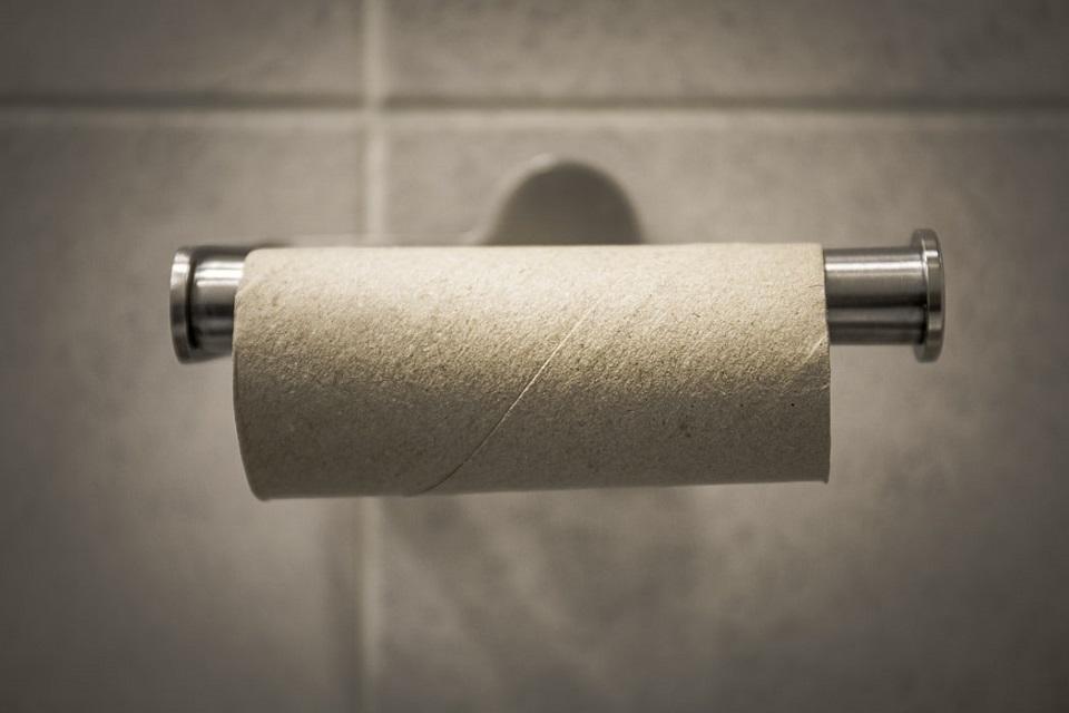 [FOTO] Maturant iz Kutine dobio svjedodžbu koja izgleda kao rola WC papira, poslao nam je fotke