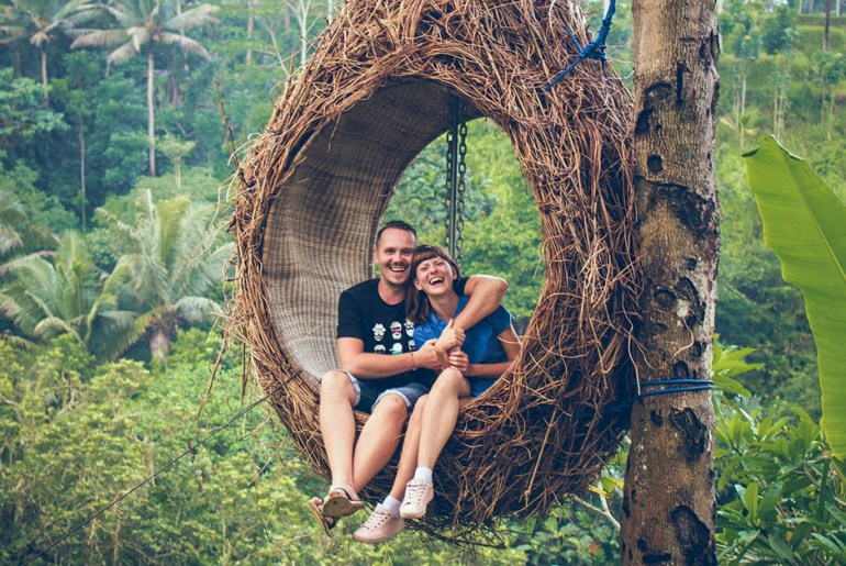 couple in tree house