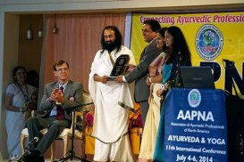 Sri Sri inaugurates North American Ayurveda Conference