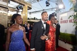 """""""Wakanda Forever"""": Lupita Nyong'o, Michael B. Jordan e Danai Gurira chegam ao Globo de Ouro para representar """"Pantera Negra"""" (Foto: Divulgação / Crédito: HFPA Photographer)."""