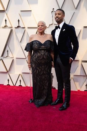 Michael B. Jordan chega ao Oscar na companhia da mãe (Foto: Divulgação – Crédito: Kyusung Gong / ©A.M.P.A.S.).