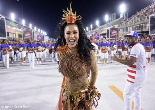 Rainha de bateria da União da Ilha, Graciane Barbosa, no ensaio técnico 2019. Foto: Justin Scott Parr