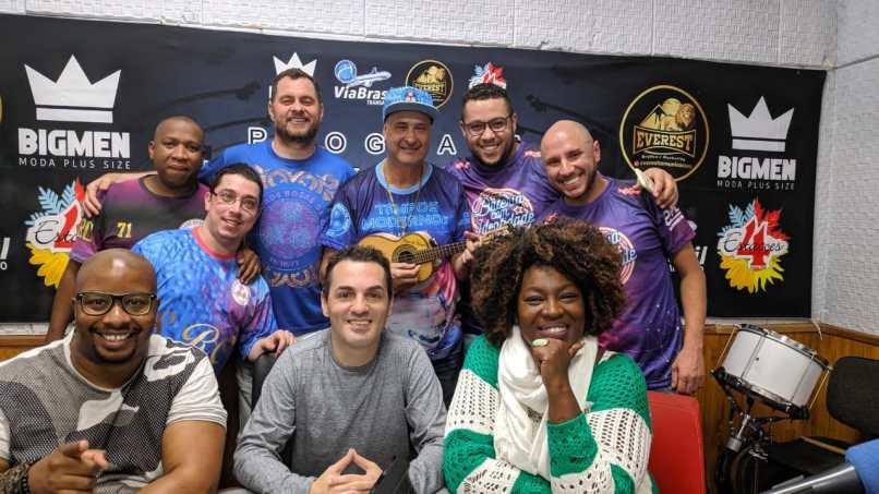 """Rosas de Ouro participa do """"Programa No Mundo do Samba"""". Foto: Rádio Trianon"""