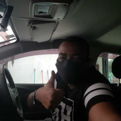 Carlos Junior se tornou motorista de aplicativo. Foto: Arquivo pessoal