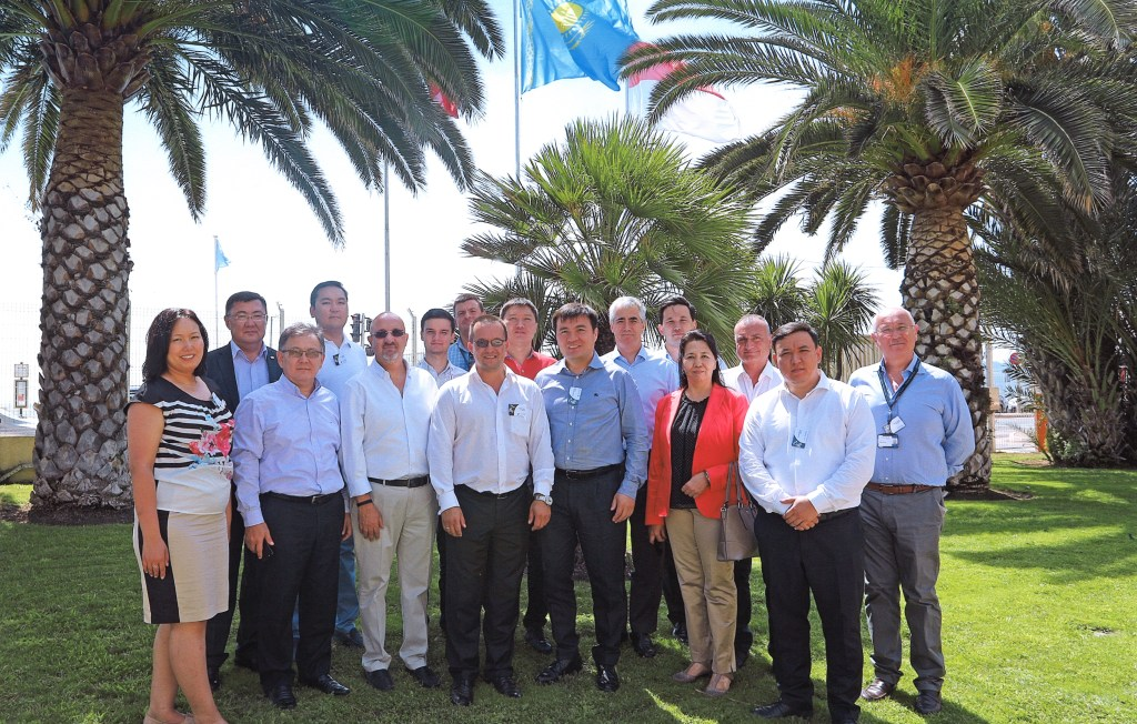 Group picture at Thales Alenia Space in Cannes
