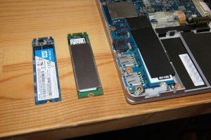 WD Blue 3D NAND SATA SSD(左)