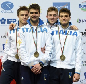 Damiano Rosatelli (secondo da destra) insieme ai suoi compagni della squadra Medaglia di Bronzo. Foto di Augusto Bizzi.