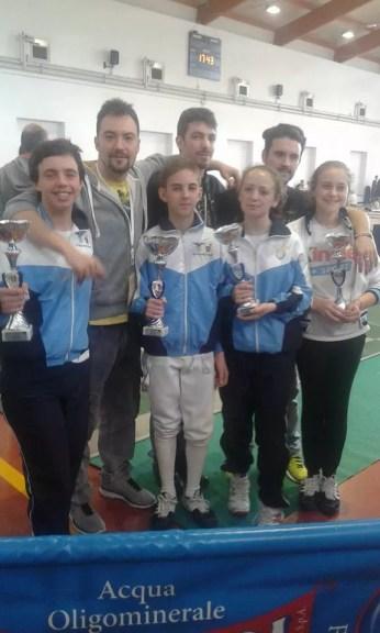 Campionato Regionale 23.05.2015 Guido De Bartolomeo, Matthew Ronci e Lorenzo Nini con il gruppo Under 14 del Fioretto.