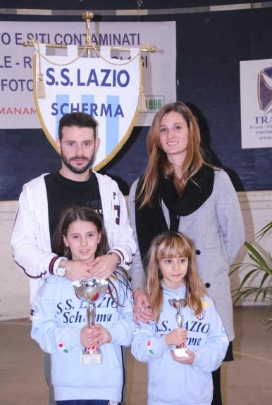 12.12.2015 Trofeo Travint Stelle di NataleCarolina Campoli e Maria Sole Porretti con i tecnici Elena Sofia Manca e Lorenzo Nini