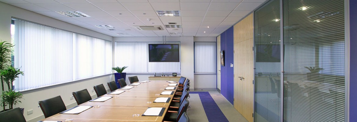 image of and office meeting room with office partitioning