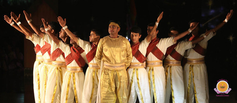 Scintillating Thematic Dance Offering Indriyaarpanam