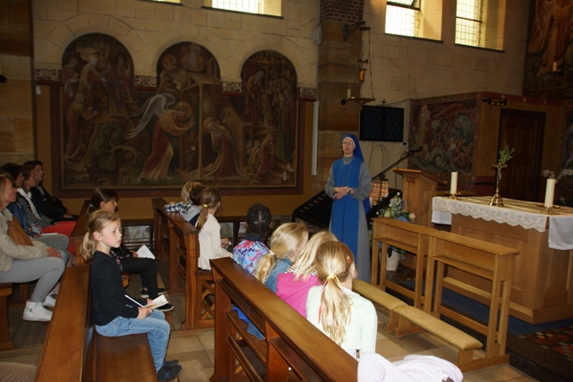 SSVM Heiloo Children visit and confessions (2)