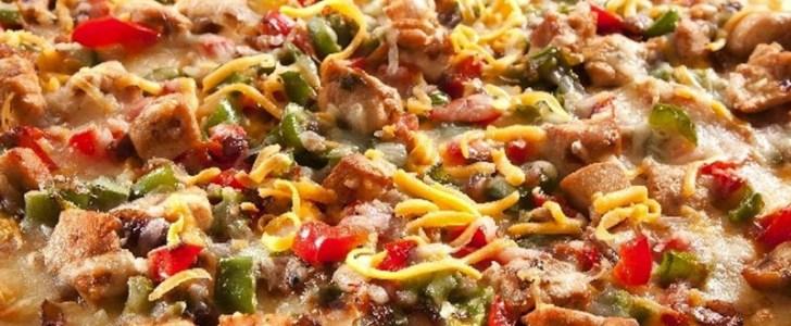 طريقة عمل البيتزا بالفراخ