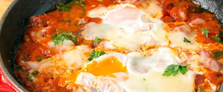 شكشوكة البيض والطماطم