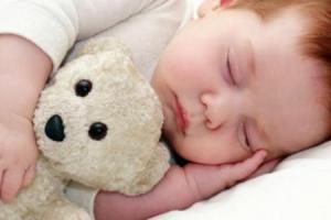 7 خطوات سريعة كفيلة علي تنويم الطفل الرضيع بسرعة جداً