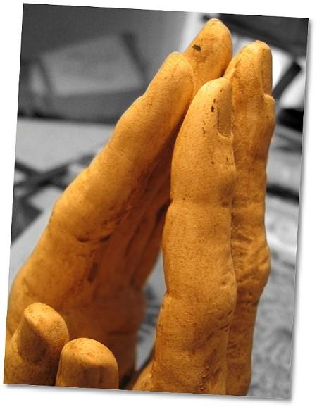 Bildquelle: Let us pray - von ocellnuri - auf Flickr.com: http://flickr.com/photos/ocell/16430182/