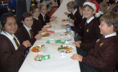 Children's Christmas Lunch 2015[2]