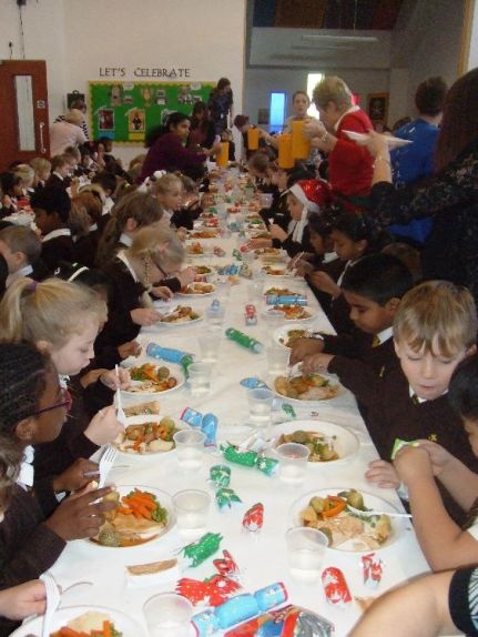 Children's Christmas Lunch 2015[12]