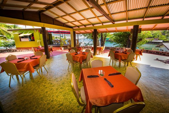 resturants close to Rodney Bay St. Lucia