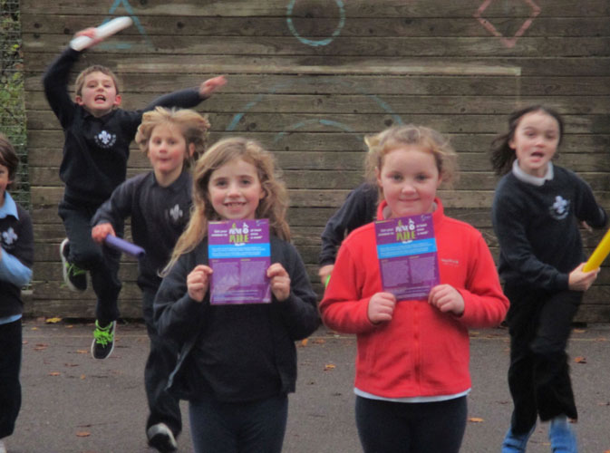 2016-move-a-mile-runners