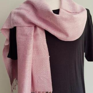 zachtroze sjaal uit Mukhdahan