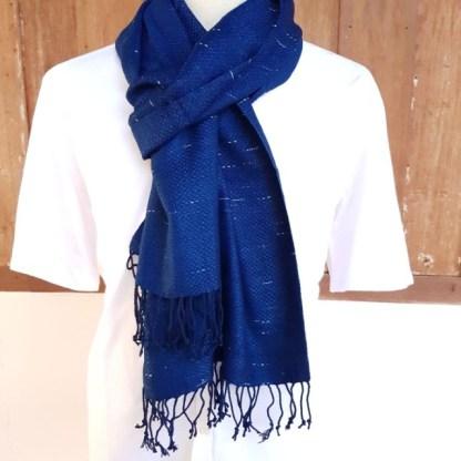 donkerblauwe sjaal raindrop motief