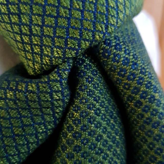 groene sjaal met klein ruitpatroon