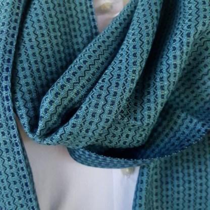 blauwgroene sjaal met indigo