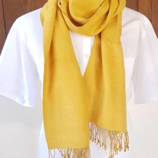zachte goudgele sjaal