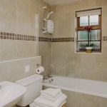 Stablewood Coastal Cottages Grayling Bathroom