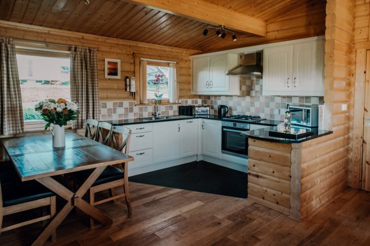 Stablewood Coastal Cottages Grey Heron Kitchen/Dining Northumberland Cottages