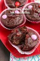Easy skinny chocolate strawberry jam filled muffins, perfect for Valentine's day! Made with oat flour, coconut oil & honey-- no butter or refined sugar!