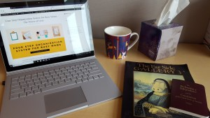 healthy ways to defeat the winter blues, reading, read a blog, laptop, books, hot chocolate mug