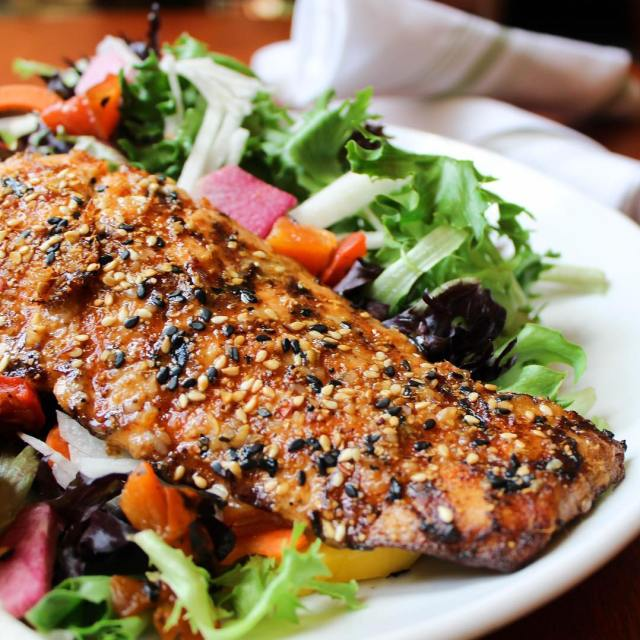 This Sesame Grilled Salmon Salad from seasons52 is actually everythinghellip