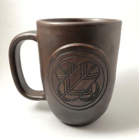 Mug with family crest