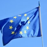 Europarlament zakázal používanie slovenskej vlajky