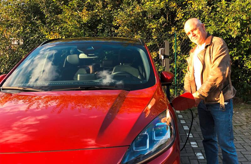 """Für jeden Fahrer eines Elektrofahrzeuges interessant: <br>Ladestation für E-Autos""""/></a></div><div class="""
