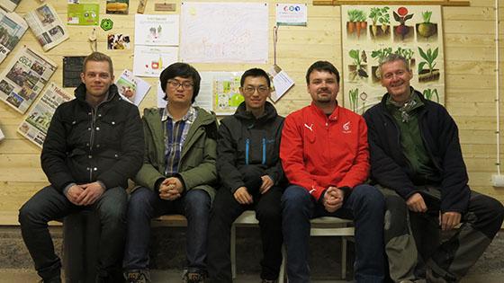 Niklas med studenter från Kina, Tjeckien, Kanada och Island.