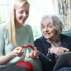 studenten-helpen-ouderen