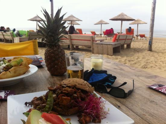Beachclub paal 14