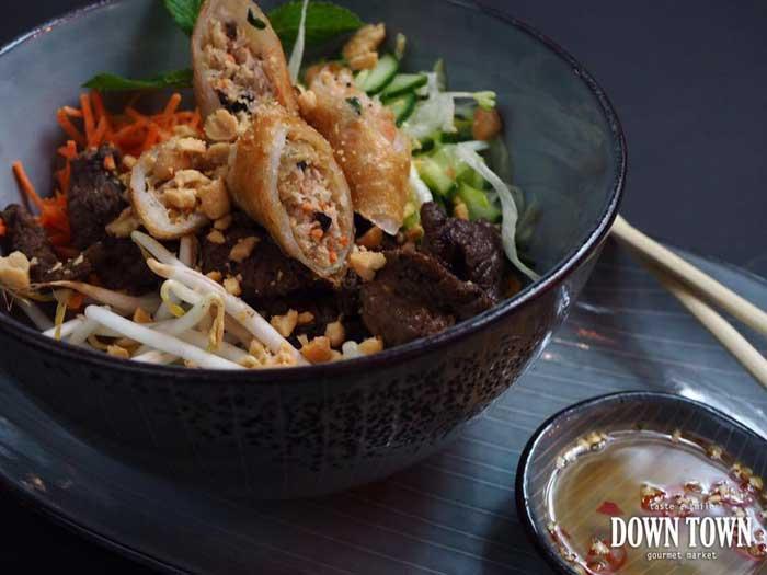 Vietnamama down town gourmet market